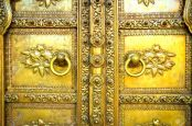 16790019-golden-door-in-city-palace-jaipur-india-stock-photo-indian
