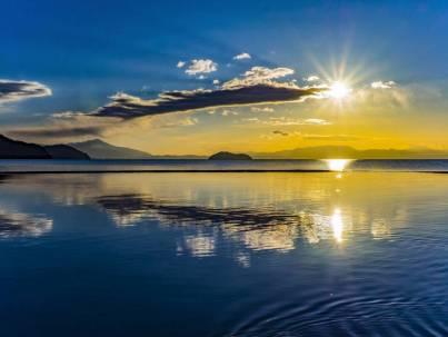 琵琶湖と竹生島